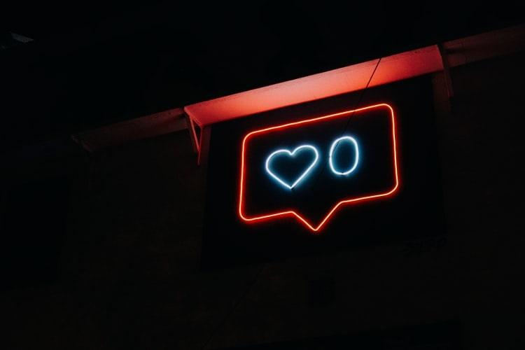 How Social Media Influences Your Mental Health?